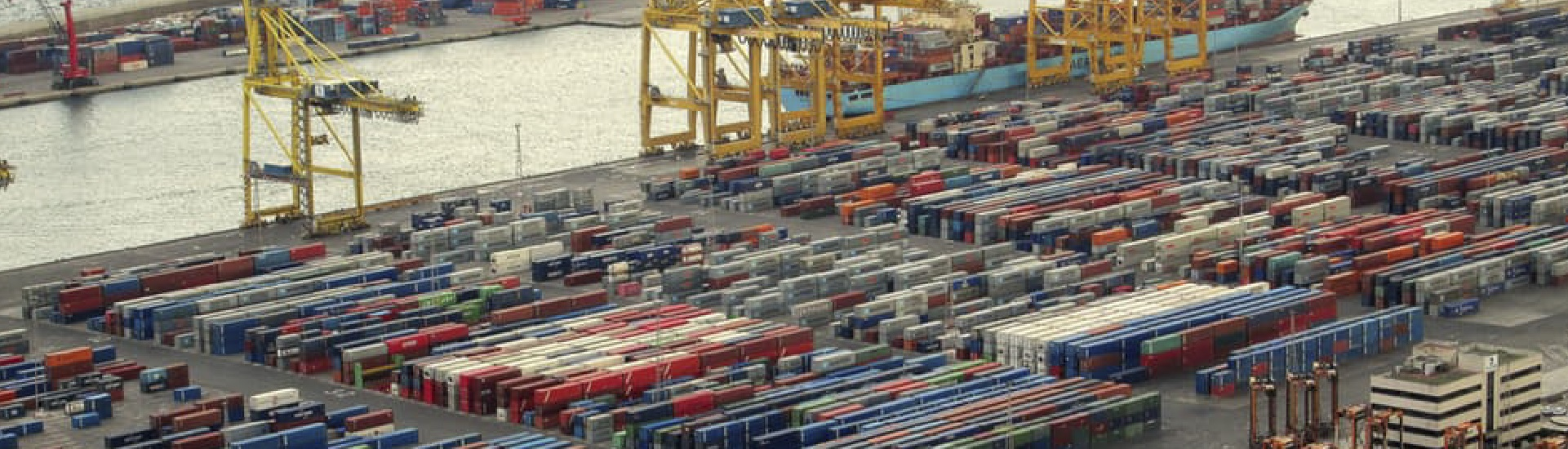 Consolidación de Carga Marítima hacia Centro y Sur América.